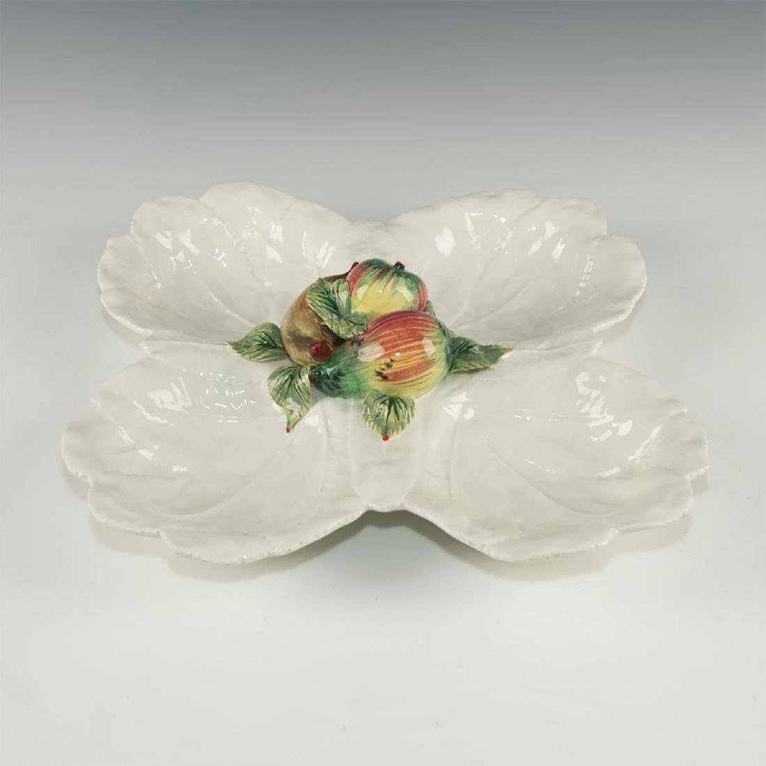 PORCELAIN SERVING DISH WITH CENTRAL FRUIT DECORATION