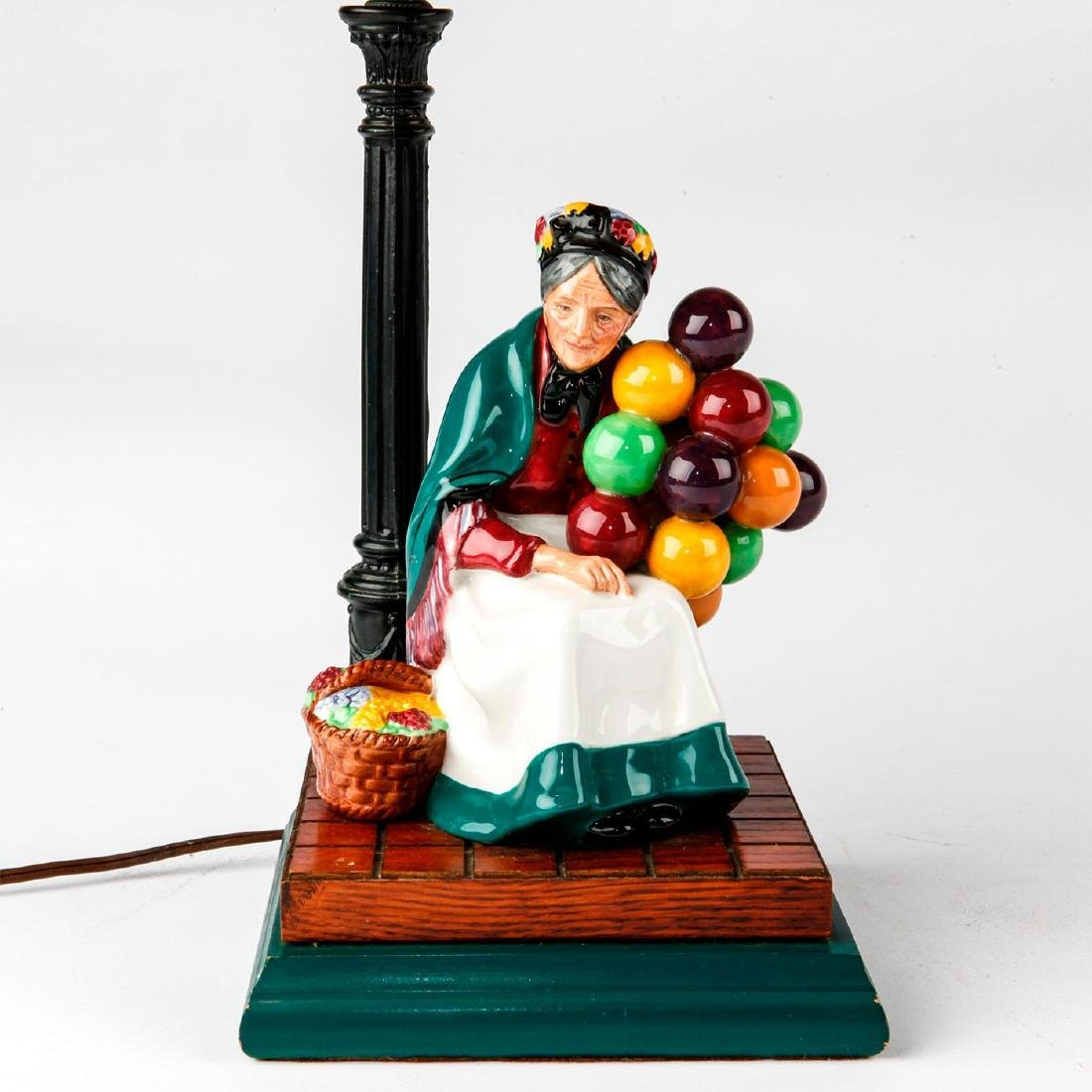 ROYAL DOULTON FIGURINE LAMP THE OLD BALLOON SELLER HN - 3