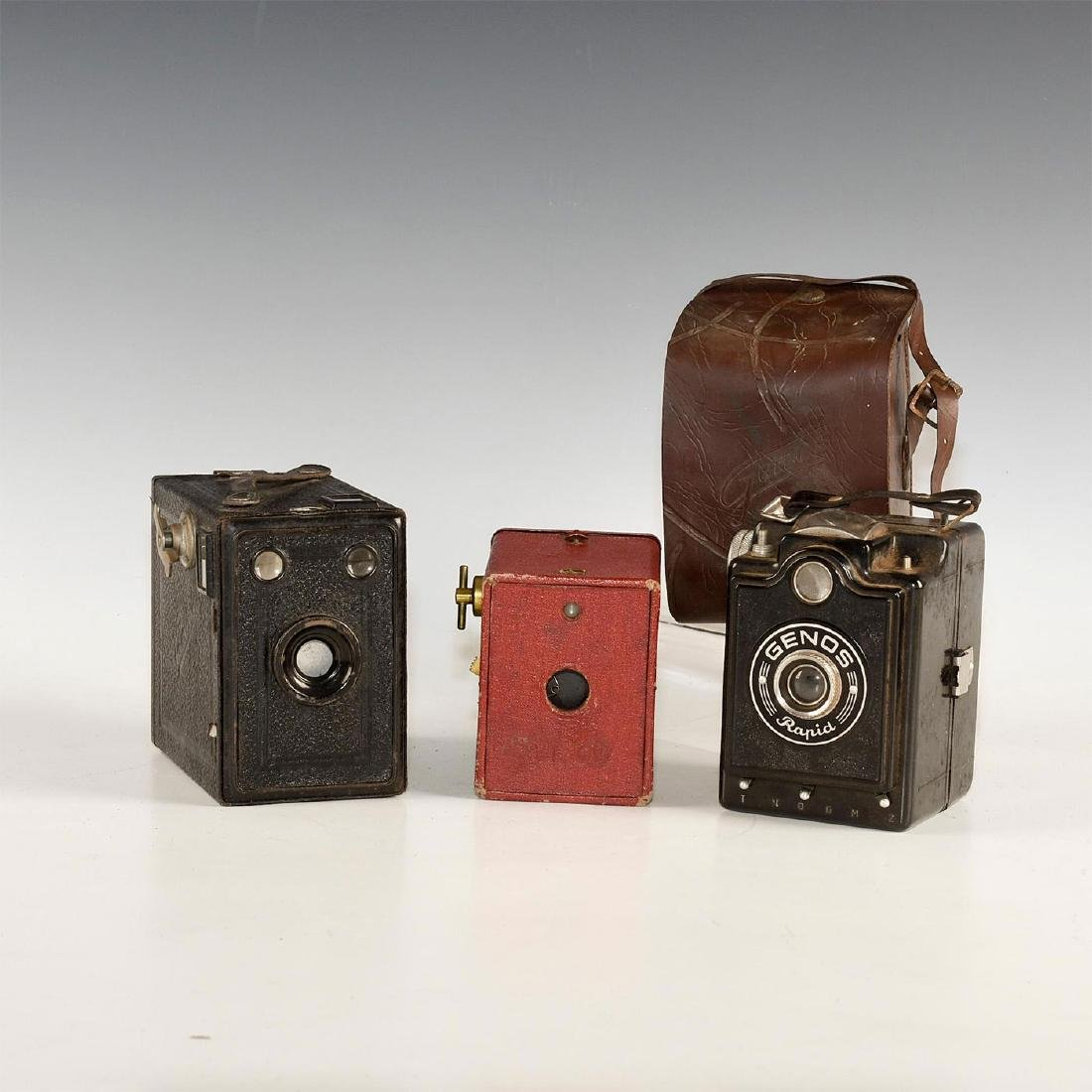 GROUP OF 3 VINTAGE BOX CAMERAS