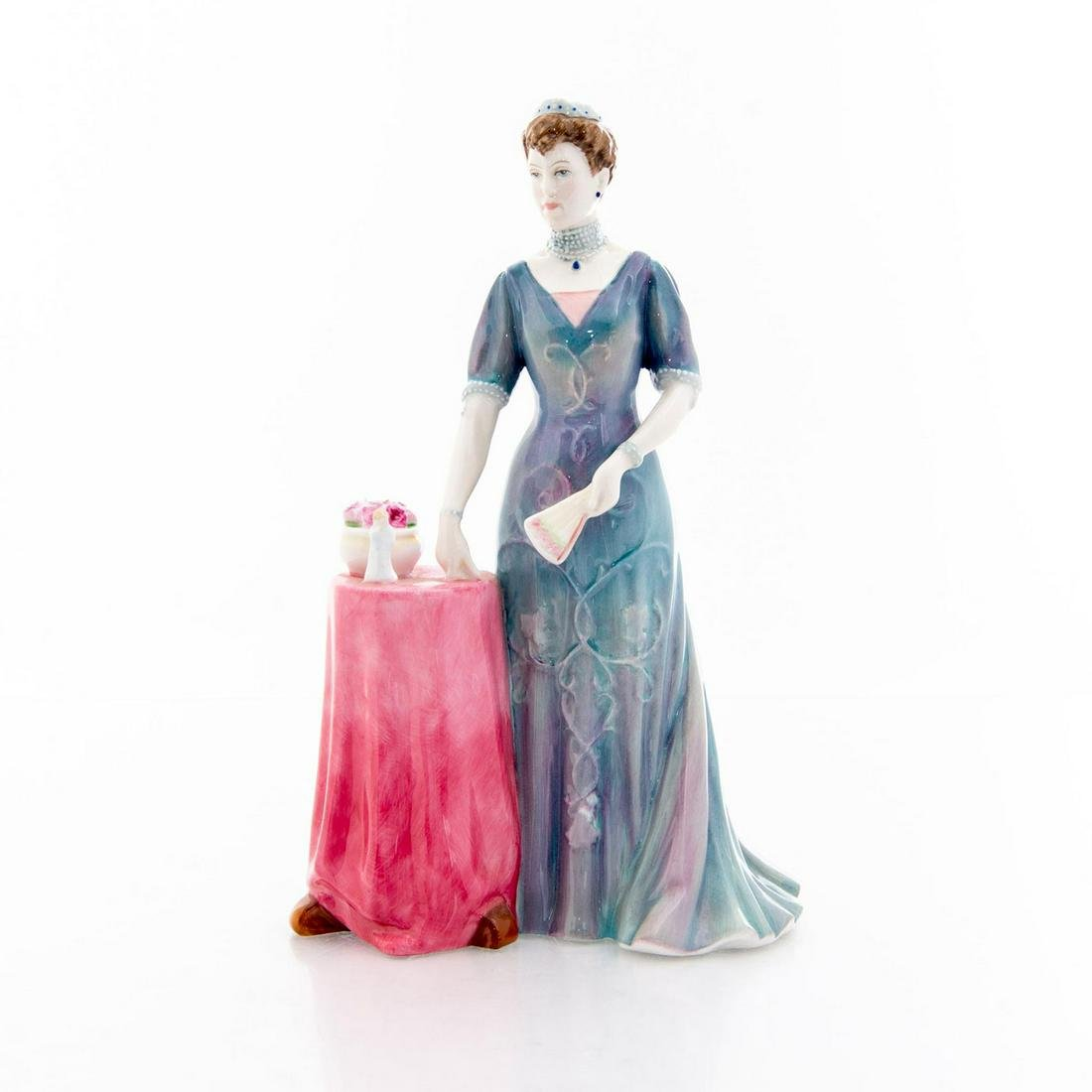 ROYAL DOULTON QUEEN MARY FIGURINE