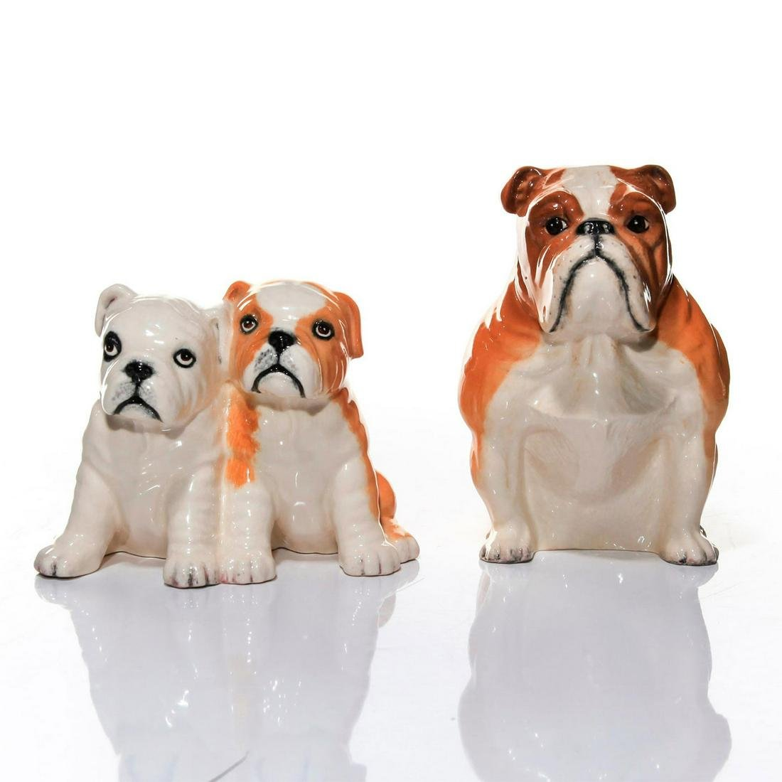 SET OF 2 SMALL DOULTON DOG FIGURES, SEATED BULLDOGS
