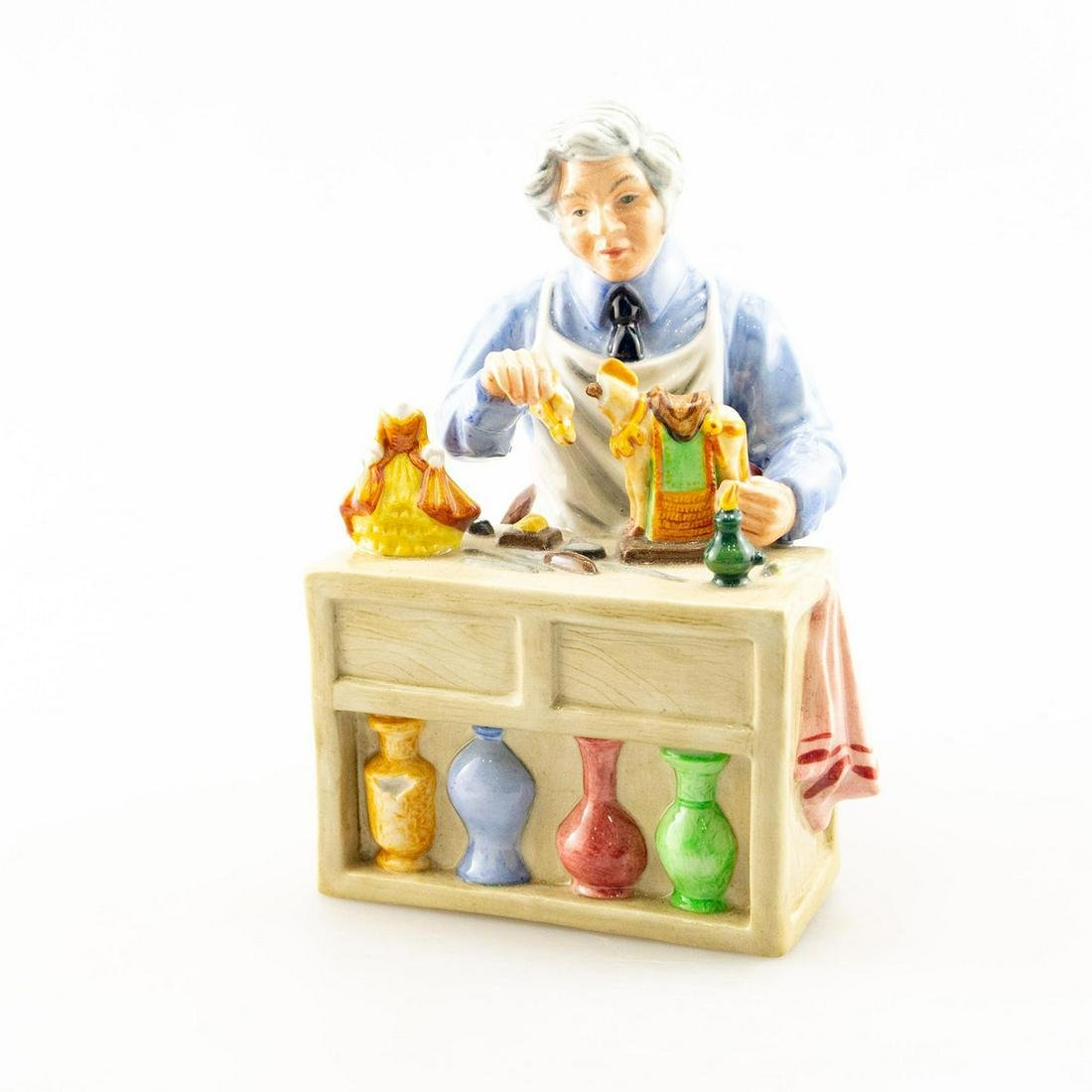 THE CHINA REPAIRER HN2943 - ROYAL DOULTON FIGURINE