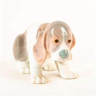 Beagle Puppy Sitting 1001071 - Lladro Porcelain Figure