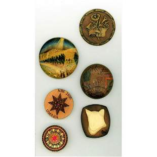 SMALL CARD OF ASSORTED WOOD BUTTONS