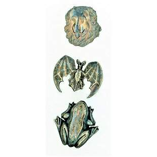 SMALL CARD OF REALISTIC WHITE METAL ANIMAL BUTTONS
