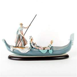 In The Gondola 01001350 - Lladro Porcelain Figure