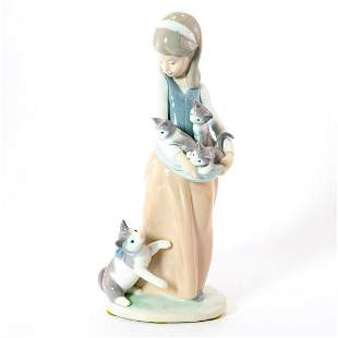 Girl with Cats 1011309 - Lladro Porcelain Figurine