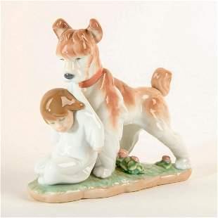 Safe and Sound 1006556 - Lladro Porcelain Figure