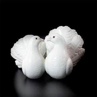 Couple of Doves 1001169 - Lladro Porcelain Figurine