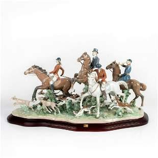 Fox Hunt 1005362 LTD - Lladro Porcelain Figure with