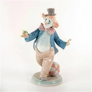 For A Smile 1006937 - Lladro Porcelain Figure