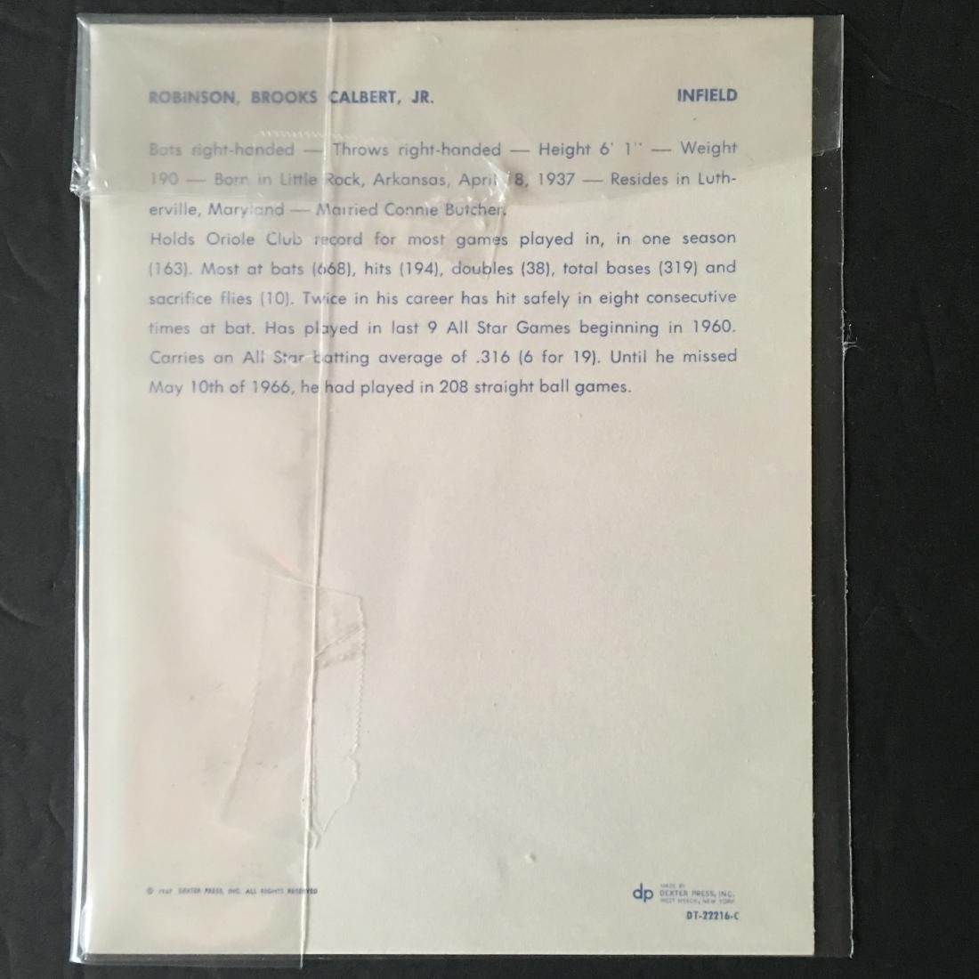 VINTAGE 1967 DEXTER PRESS BROOKS ROBINSON PHOTO CARD - 2