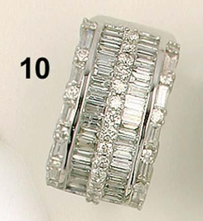 10: Ring WG 750/000, Diamanten im Brillant- und Baguett