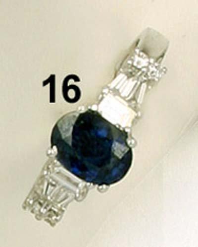 16: Ring WG 750/000,  Saphir 1,36 ct., Brillanten- und