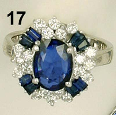 17: Ring WG 750/000, 9 Saphire in feinster Farbe zus. 3