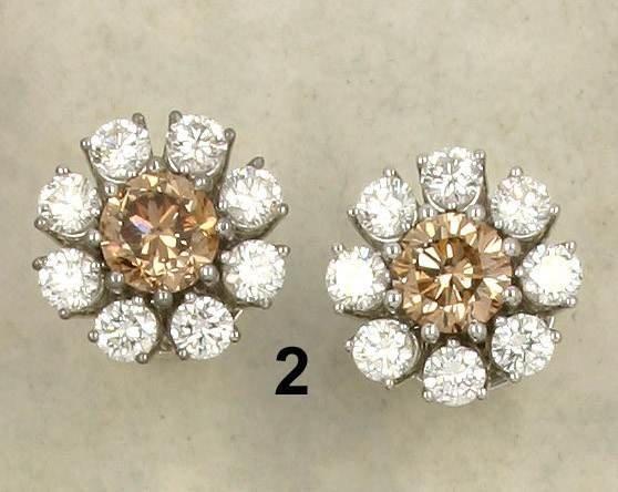 2: Ohrstecker WG 750/000, je 1 brauner Brillant zus. 2,