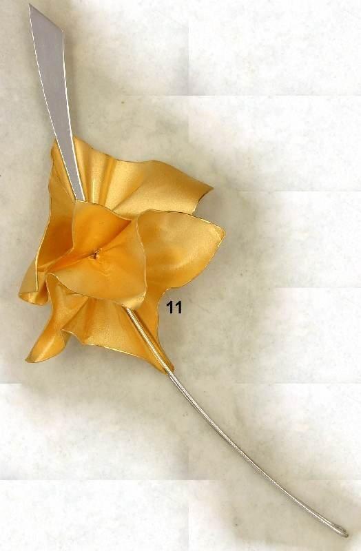 11: Designerbrosche Platin 950/000, Mittelteil Feingold