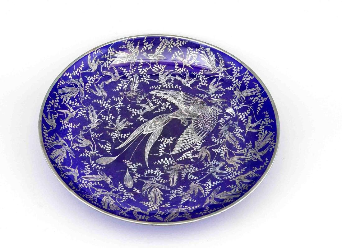 A large bowl with birds of paradise, pres. Bohemia,