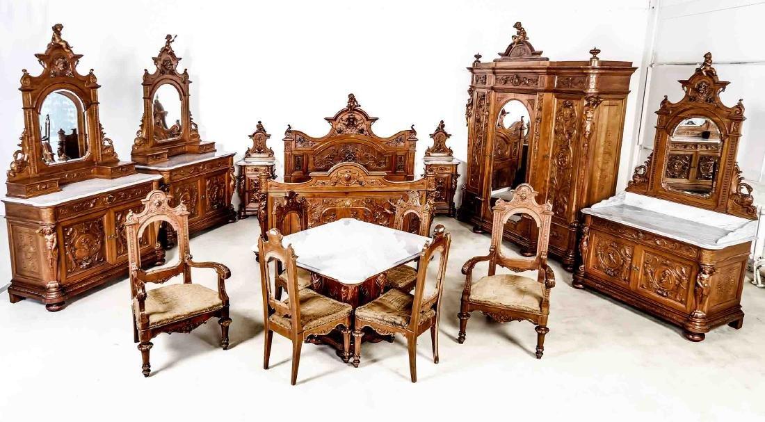 Höchst seltenes museales  vollfigürliches Schlafzimmer