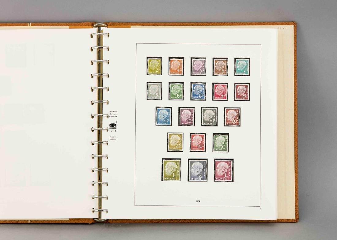 Album mit Briefmarkensammlung, Safe Album Nr