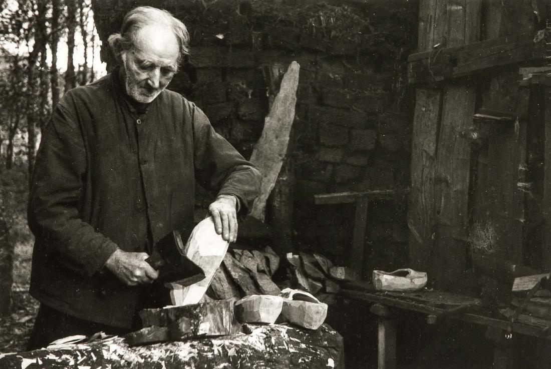Hans Saebens (1895-1969), ''der Holzschuhmacher'',