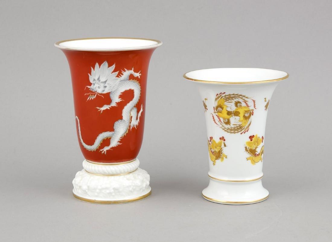 Zwei Vasen, 1x Trompetenvase Meissen, Marke 1924-34, 1.