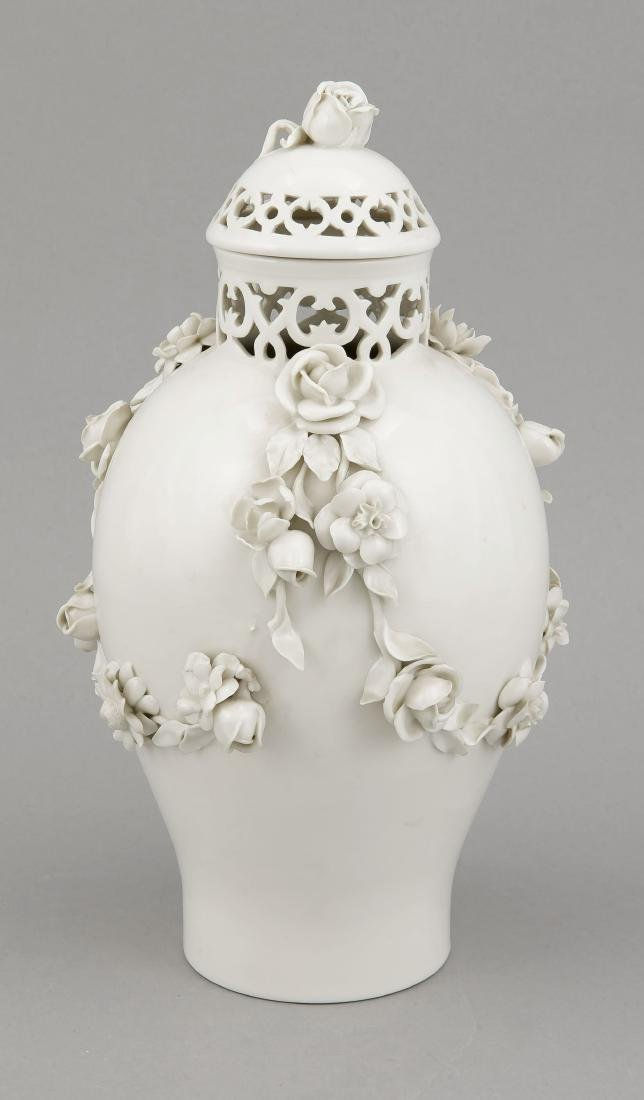 Potpourri lid vase, Nymphenburg, mark 1925-75, ovoid