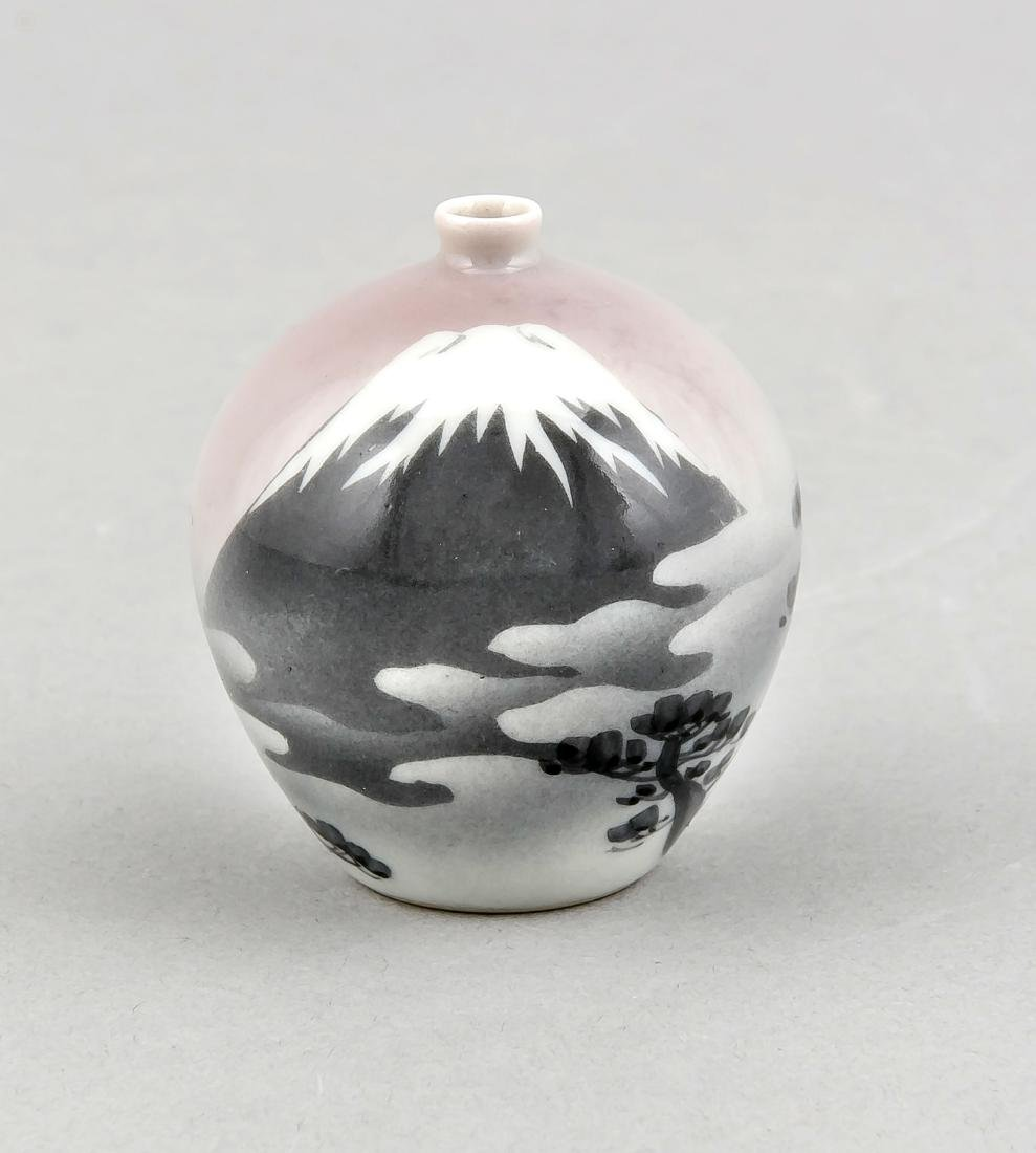 A 20th-century Japanese miniature vase, decor with
