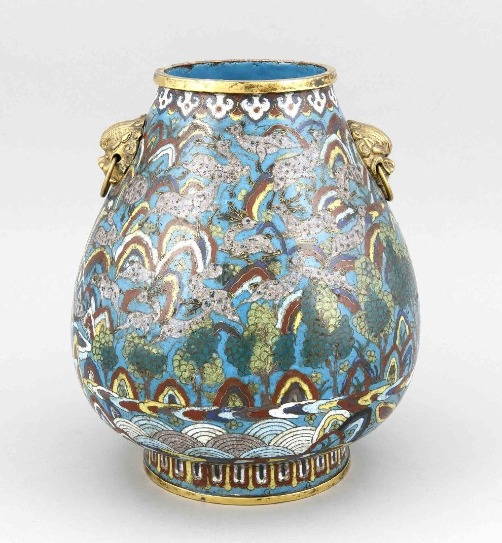 A Chinese Hu-form cloisonné vase around 1800, the side