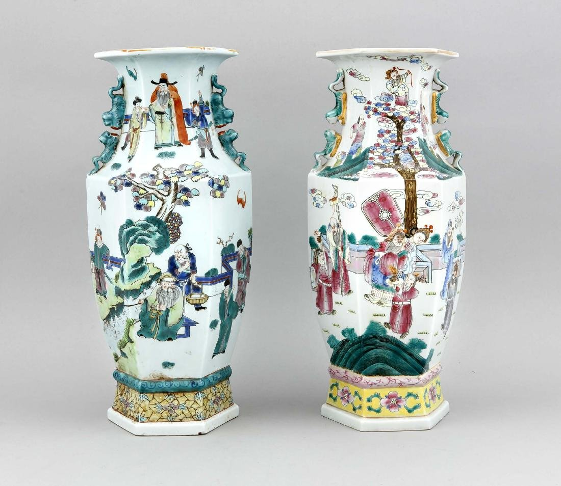 A Chinese Hu-form cloisonné vase around 1800, the side - 2