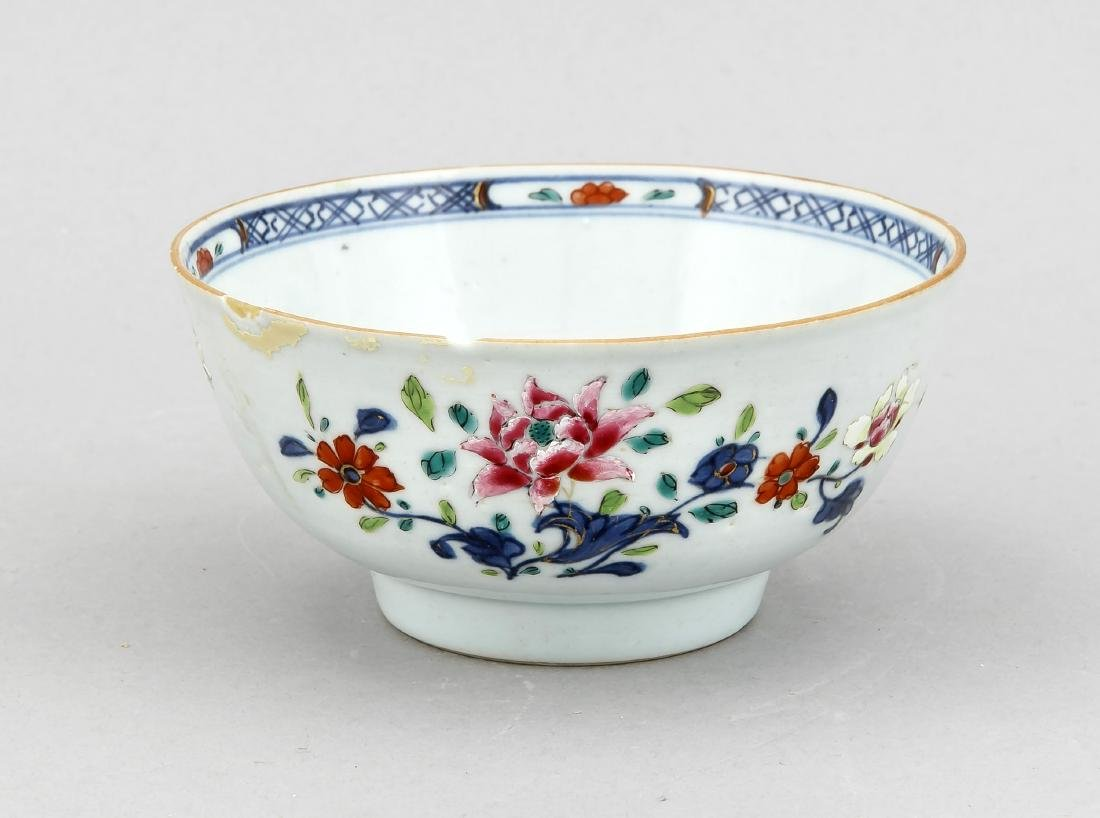 A small 19th-century Chinese bowl, the side