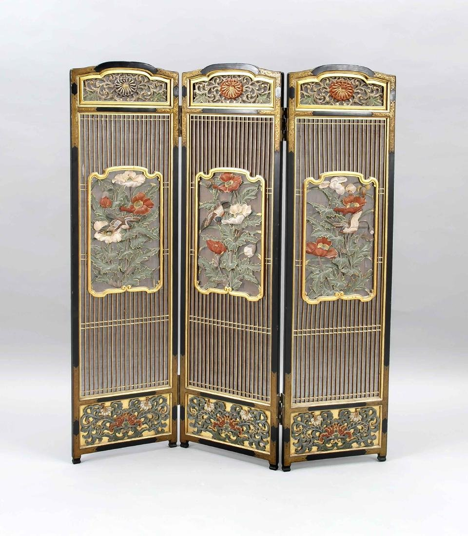 An early-20th century Chinese paravent, 3 panels,