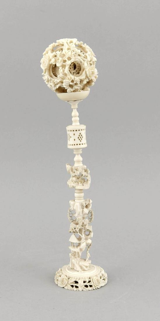 Wunderkugel, China, 19. Jh., Elfenbein beschnitzt und