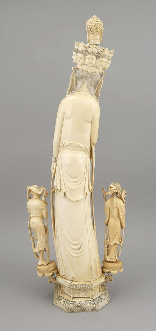 Große Elfenbeinfigur, China, um 1900, Guanyin?, Frau - 2