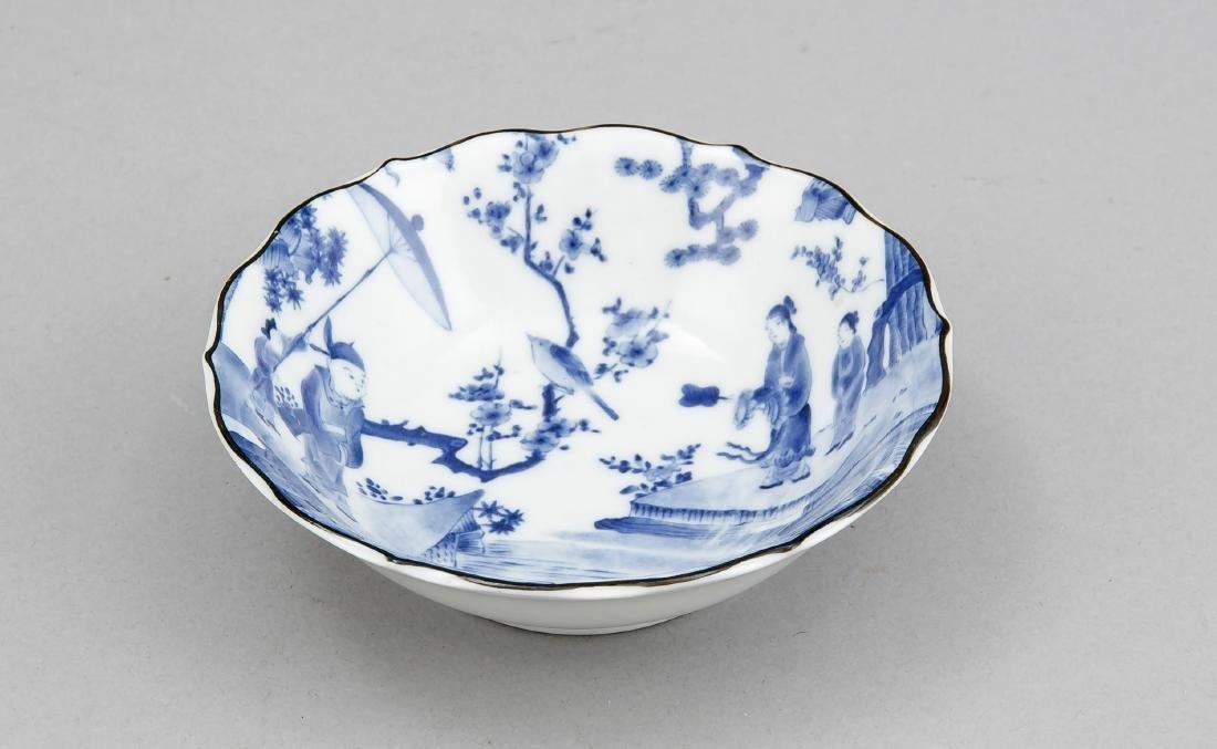 Schälchen mit Blau-Weiß-Dekor, China, 20. Jh., Mann auf