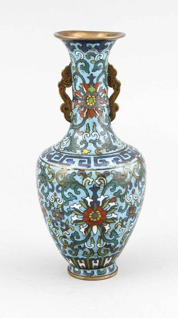 Cloisonné-Vase, China, spätes 18. Jh., Dekor mit