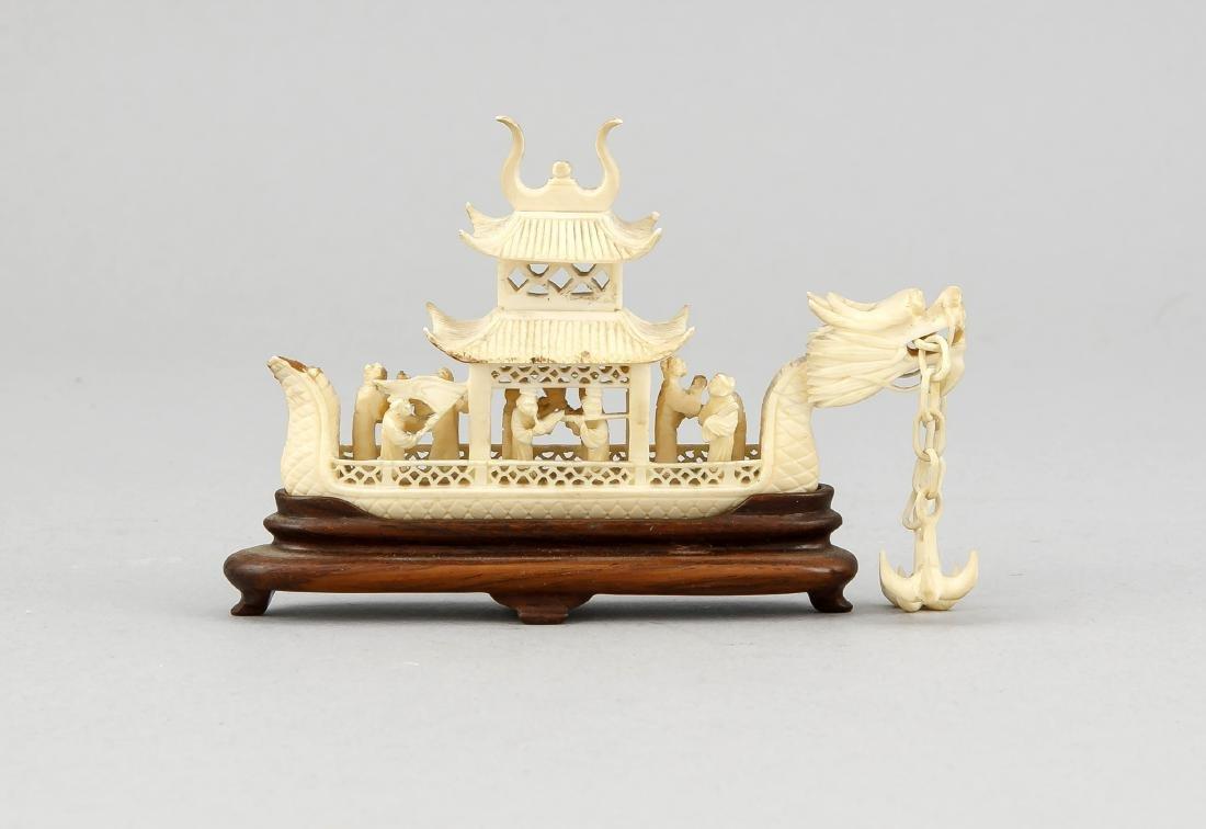 Miniatur-Drachenschiff, China, 19. Jh., durchbrochen