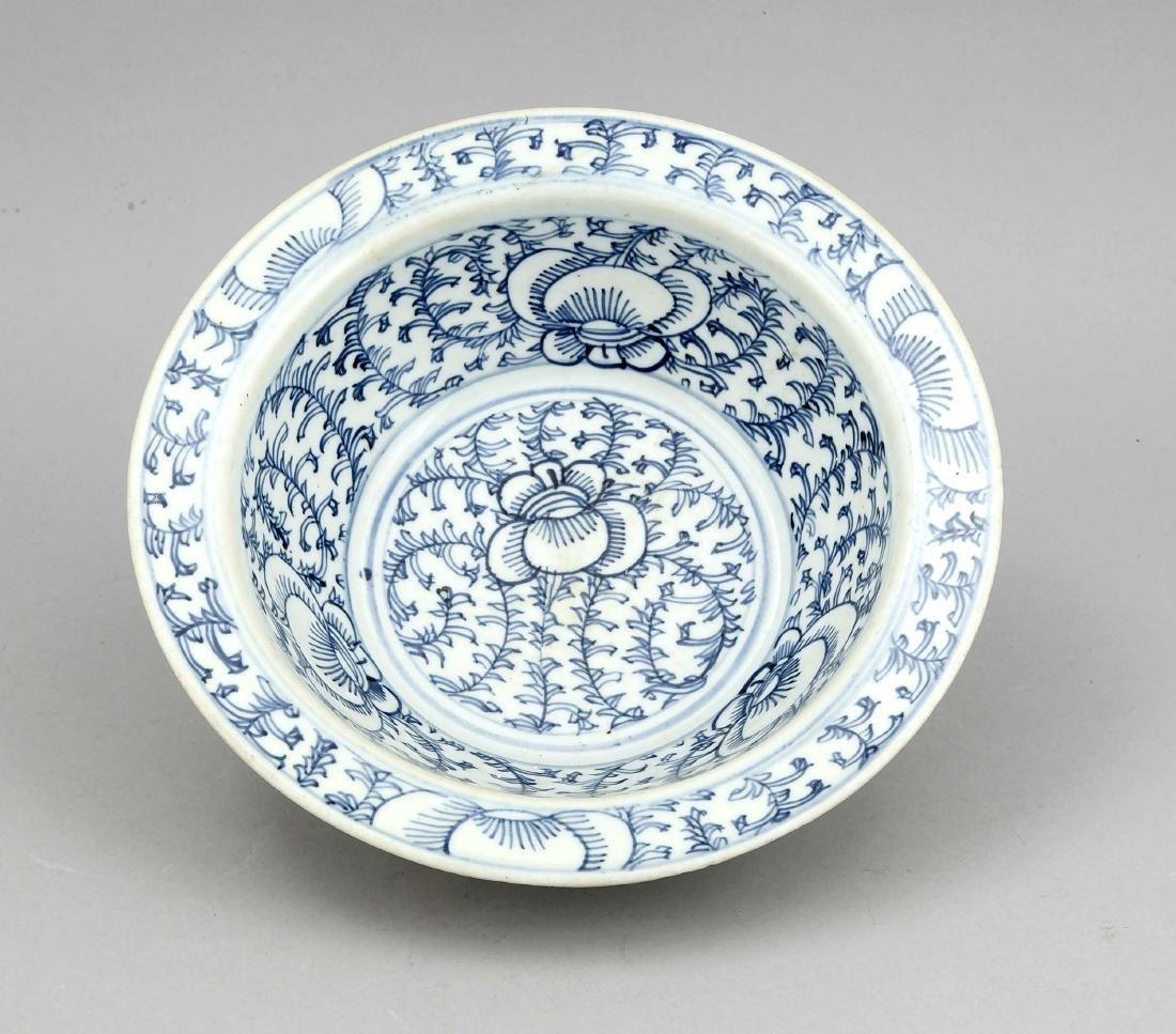 Schale mit Blauweiß-Dekor, China, 19. Jh., Ranken- und - 2