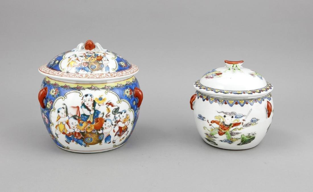 2 Deckeltöpfe, China, 20. Jh., polychrome Malerei,