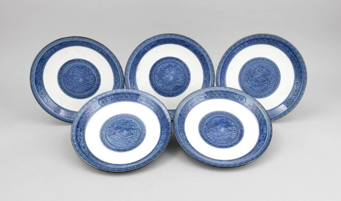 5 Teller, China/Japan, 20. Jh., gemodeter Dekor, im