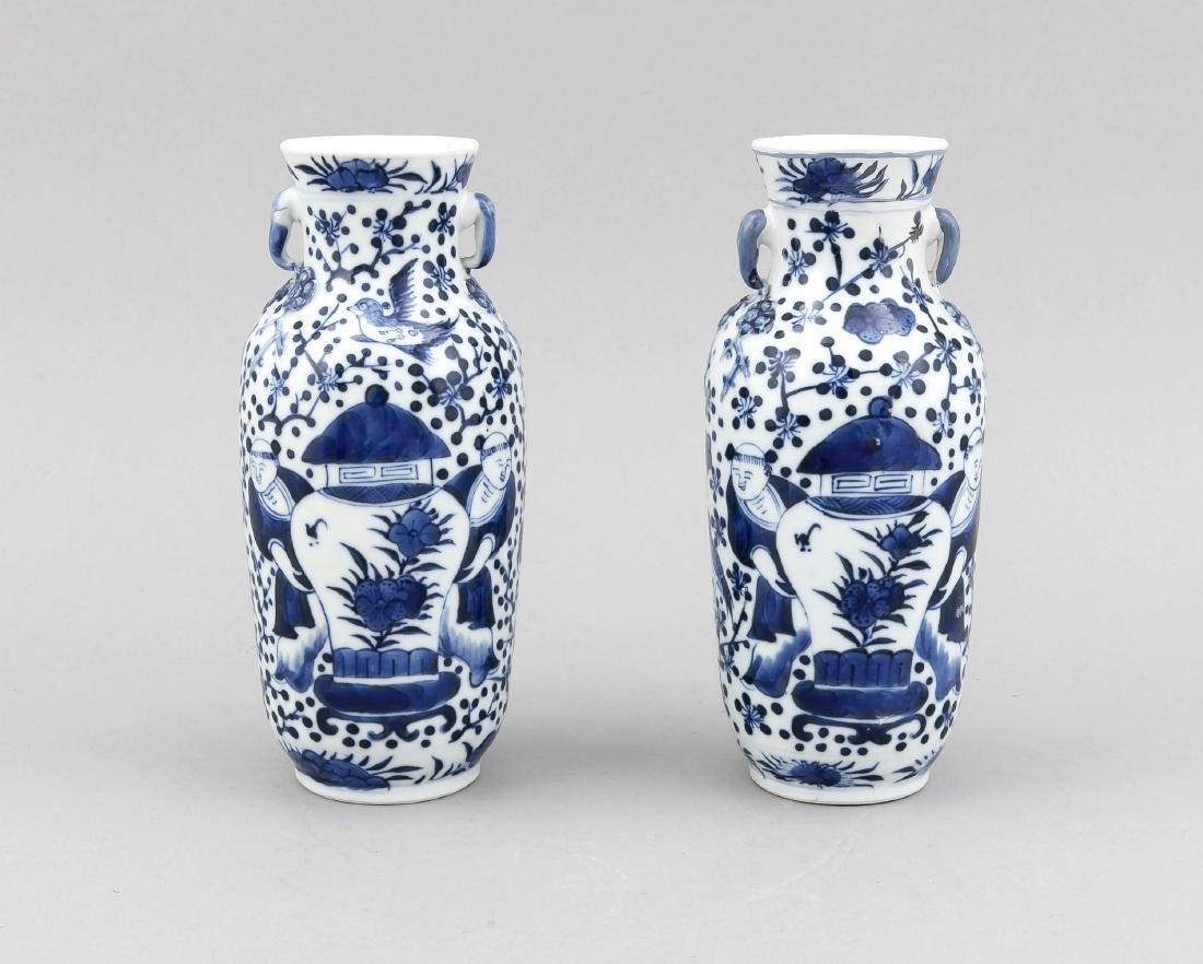 paar Vasen, China, 19./20. Jh., Dekor in