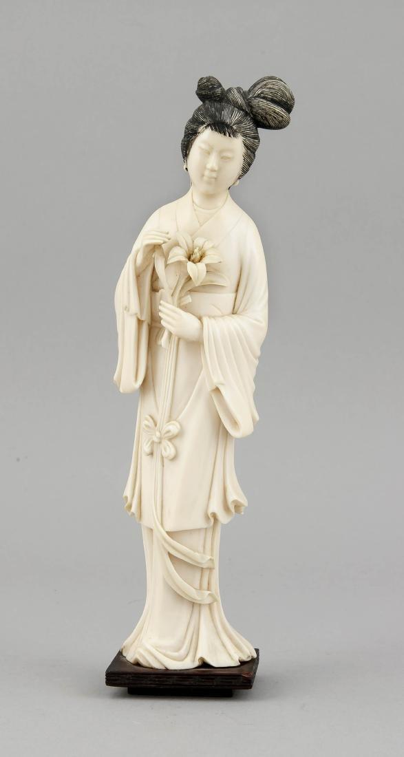 Geisha, China, um 1920, Elfenbeinschnitzerei, Frau mit