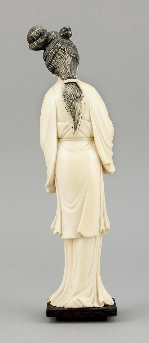 Geisha, China, um 1920, Elfenbeinschnitzerei, Frau mit - 2