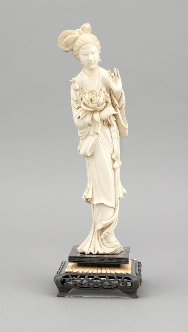 Geisha, China, um 1910, Elfenbeinschnitzerei, Frau mit