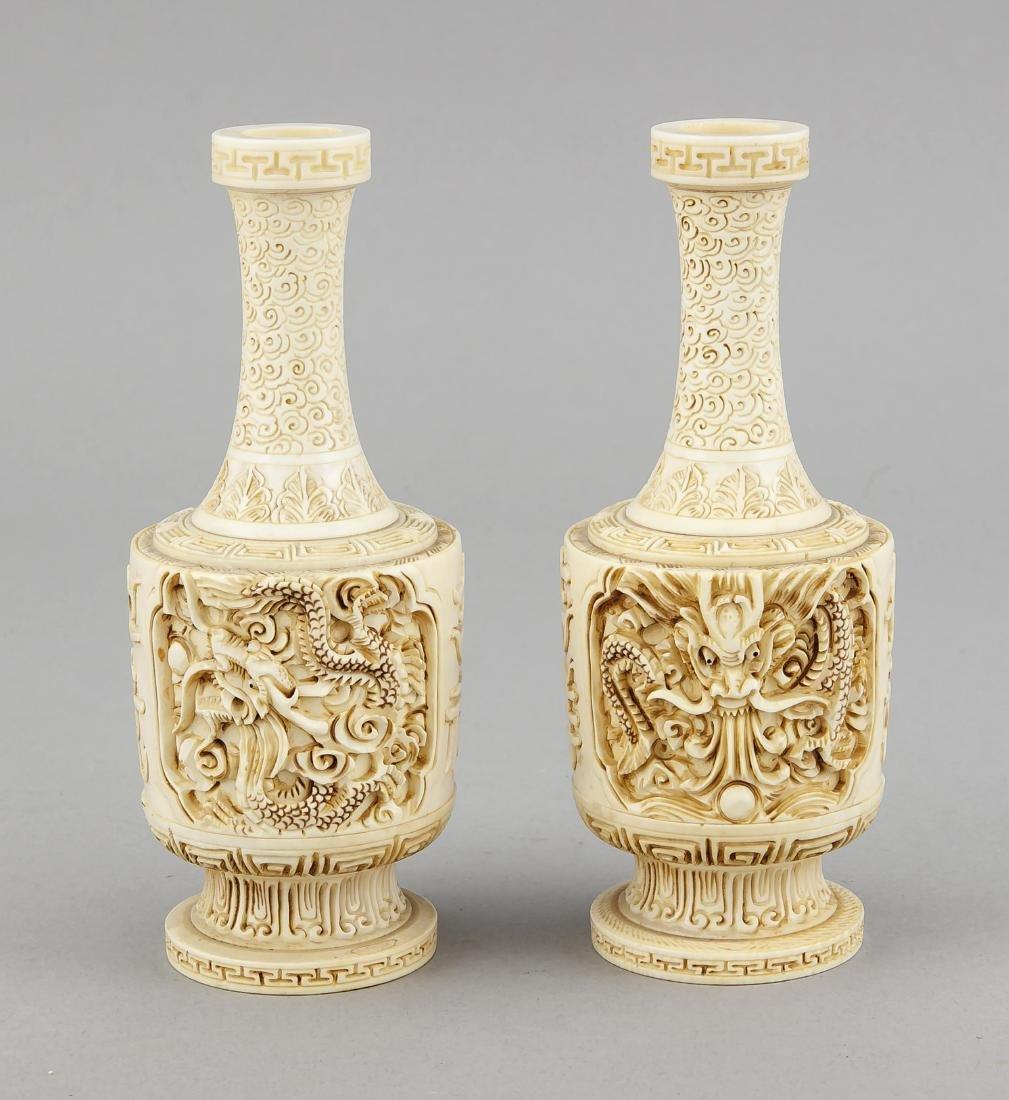 paar Elfenbein-Vasen, China, 19. Jh., zylindrischer - 2
