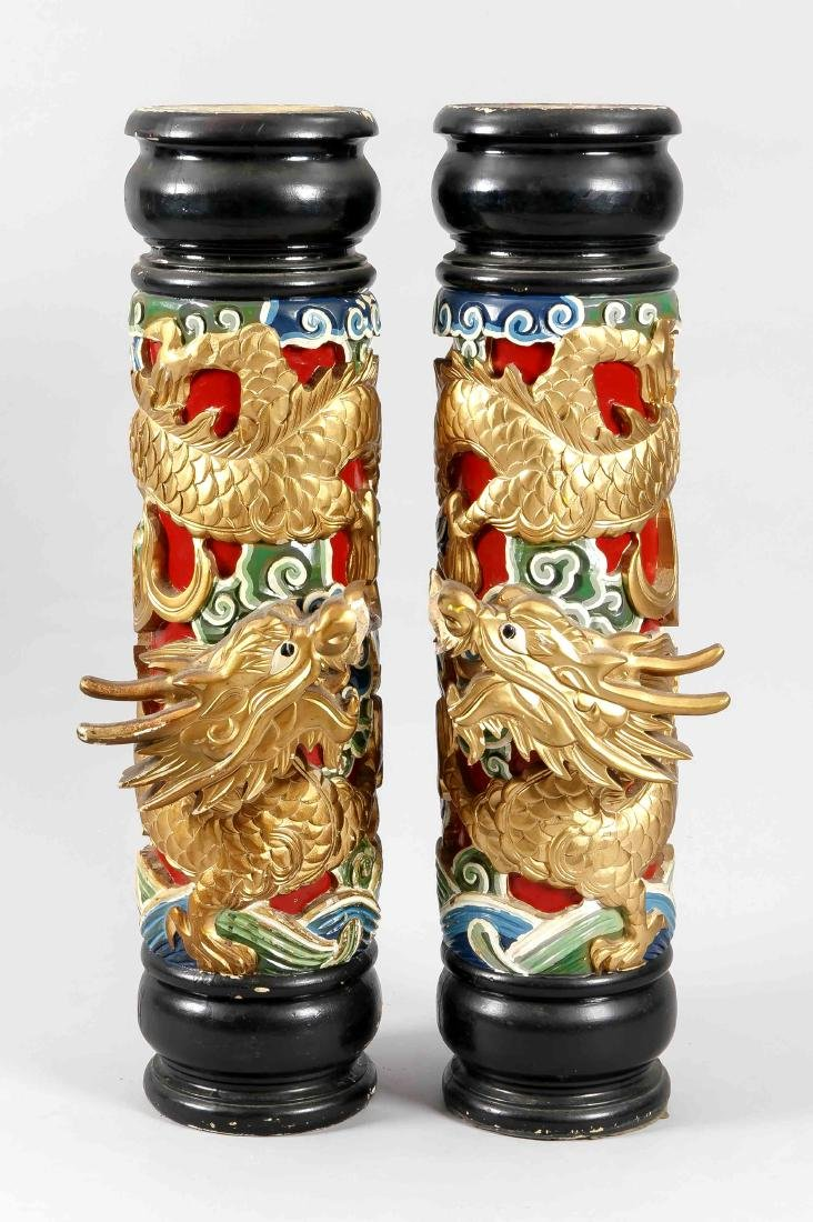 2 columns of dragons, China, 20th c., polychrome and