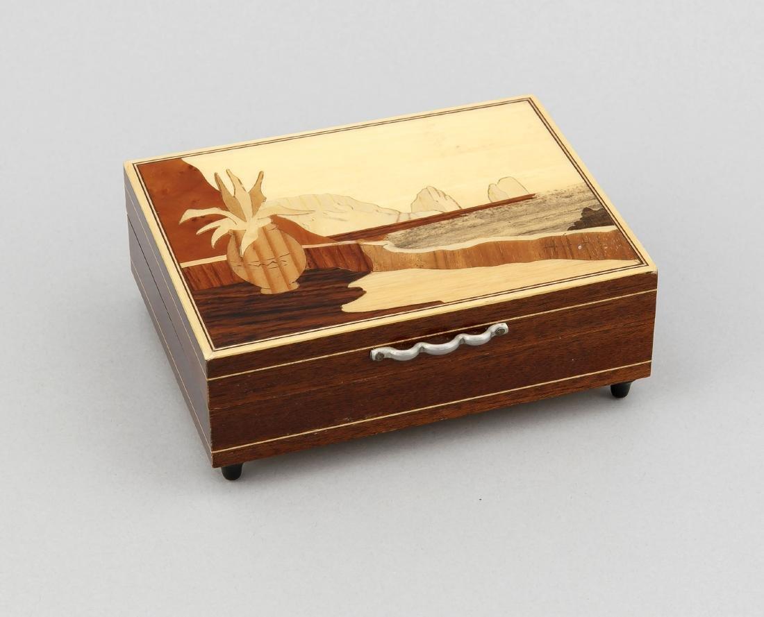 Spieluhr, 20. Jh., Holzkasten mit Intarsienbild auf dem