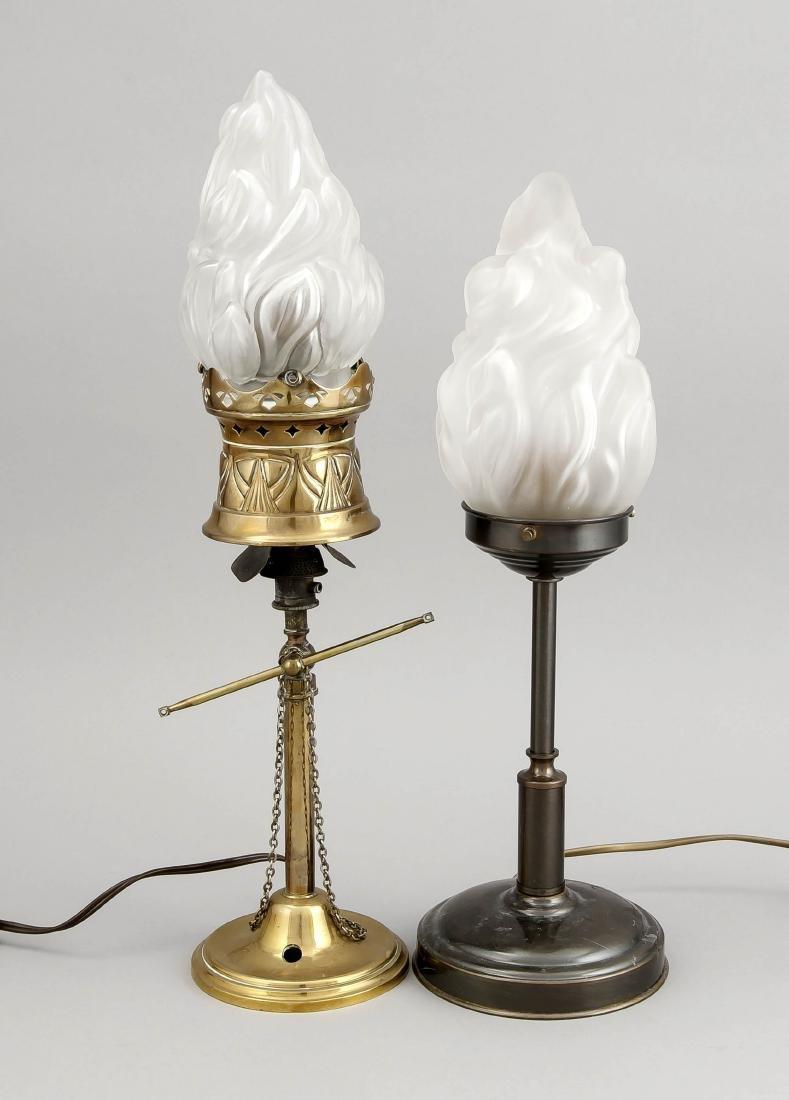 2 Lampen mit Fackelschirmen, 1 x Messing mit
