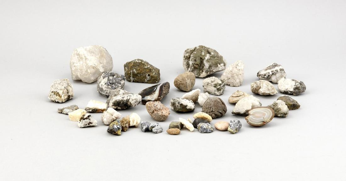 Konvolut Kristalle und Steine/Minerale in alter