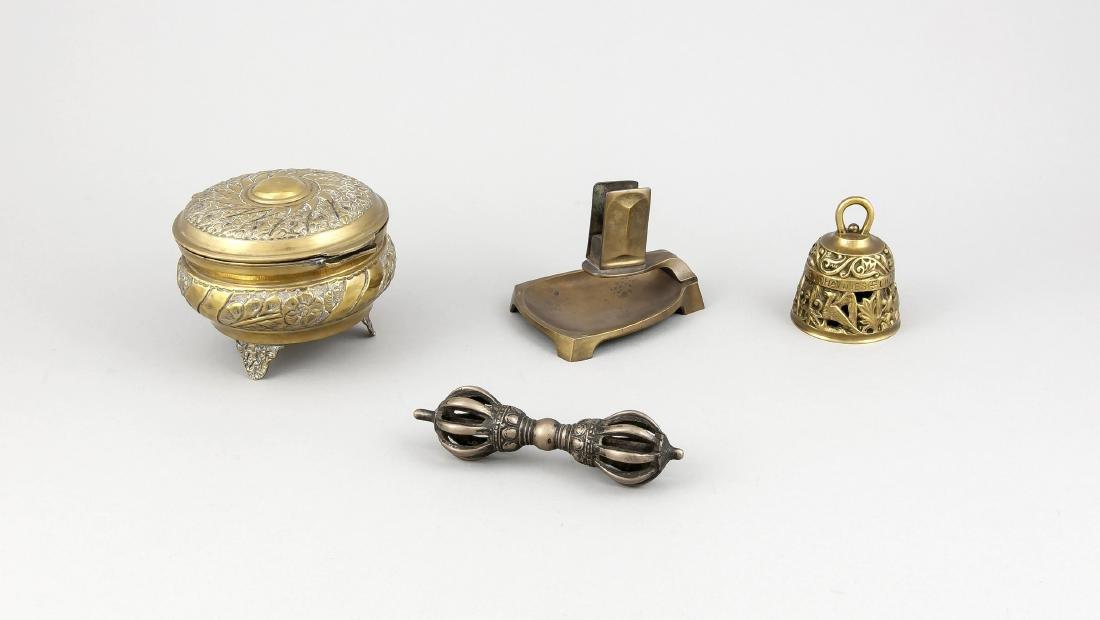 Konvolut von 4 Teilen Messing/Bronze.